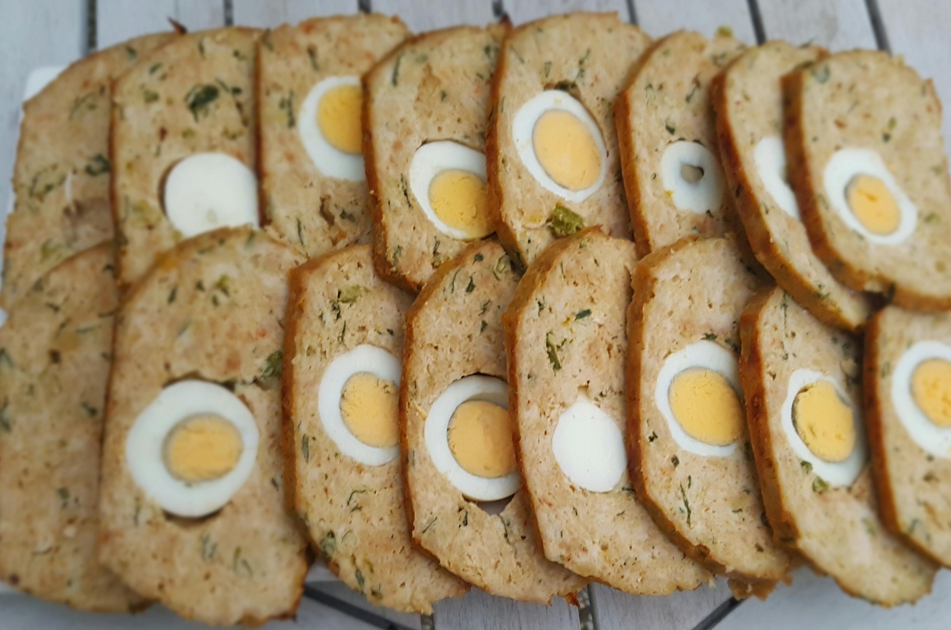 Kip gehaktbrood met verstopte eitjes