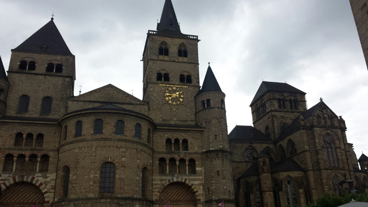 De St Peter's kathedraal in Trier