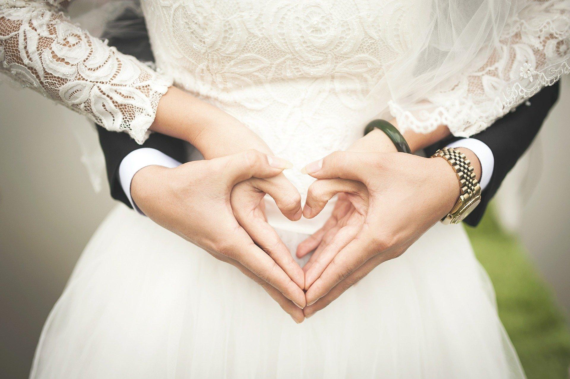Ceremoniemeester bruiloft; van taken, kosten en tips hoe te vragen