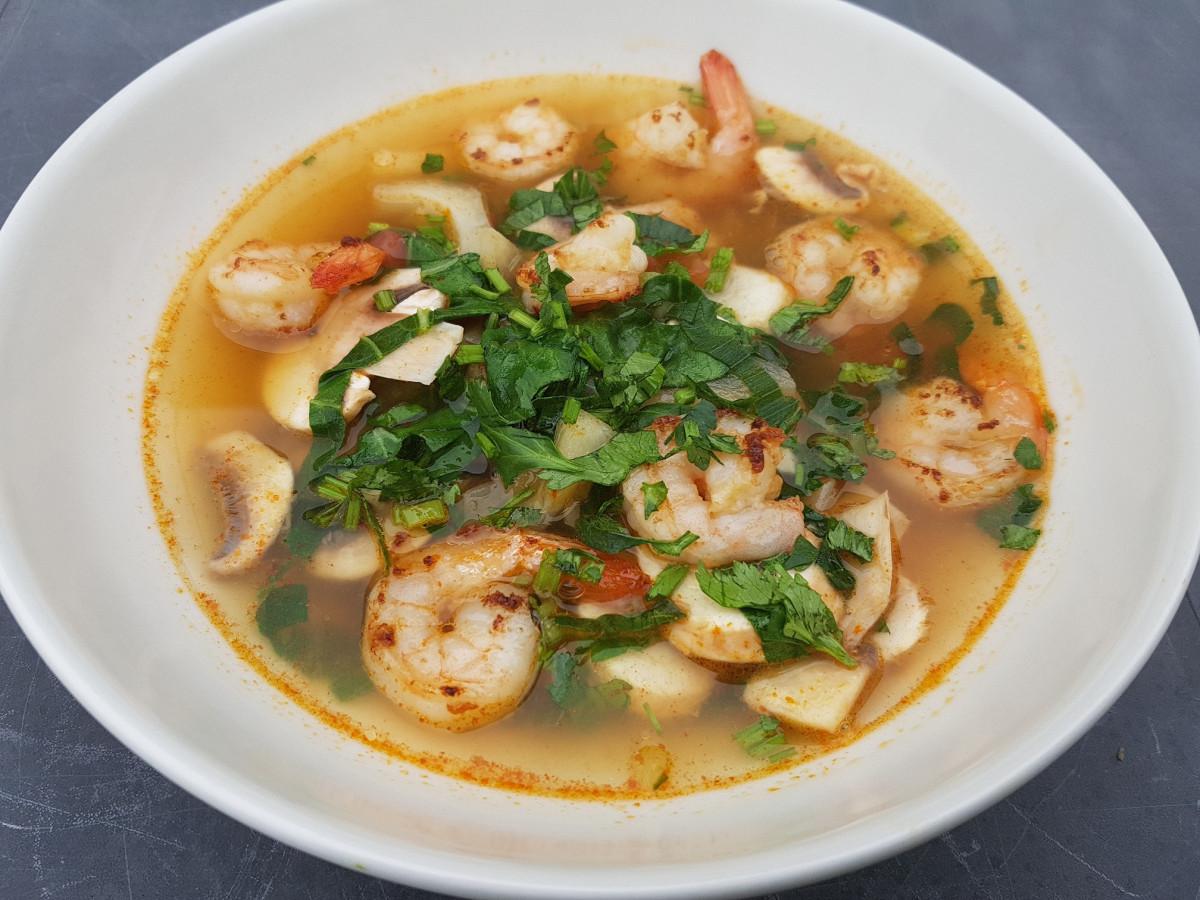 Tom Yum soep, heerlijke Thaise soep met garnalen