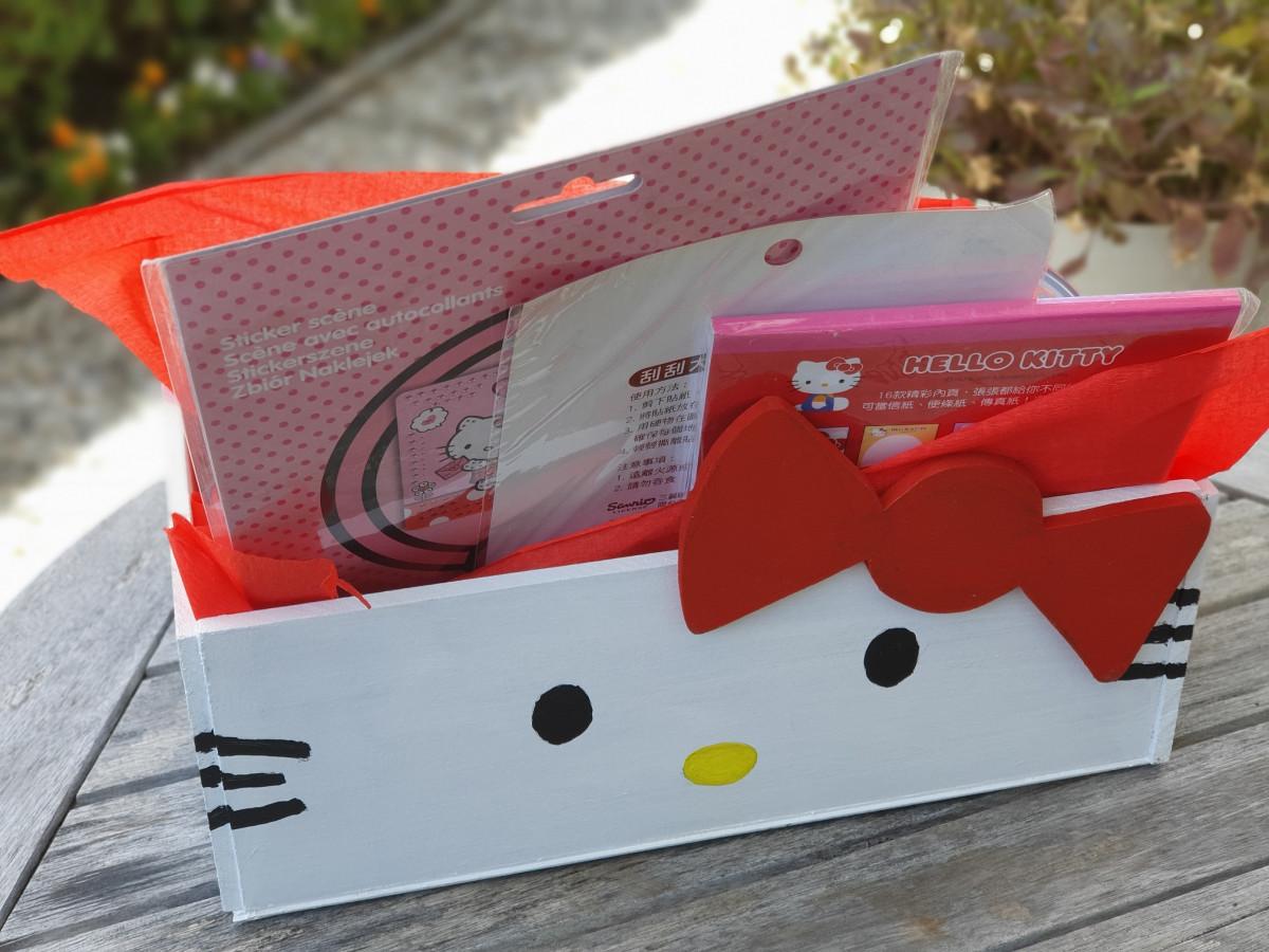 Hello Kitty gift box