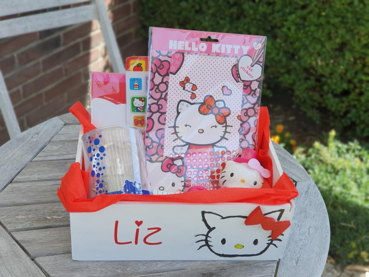 DIY: Hello Kitty cadeau box, leuk voor kleine prinsesjes