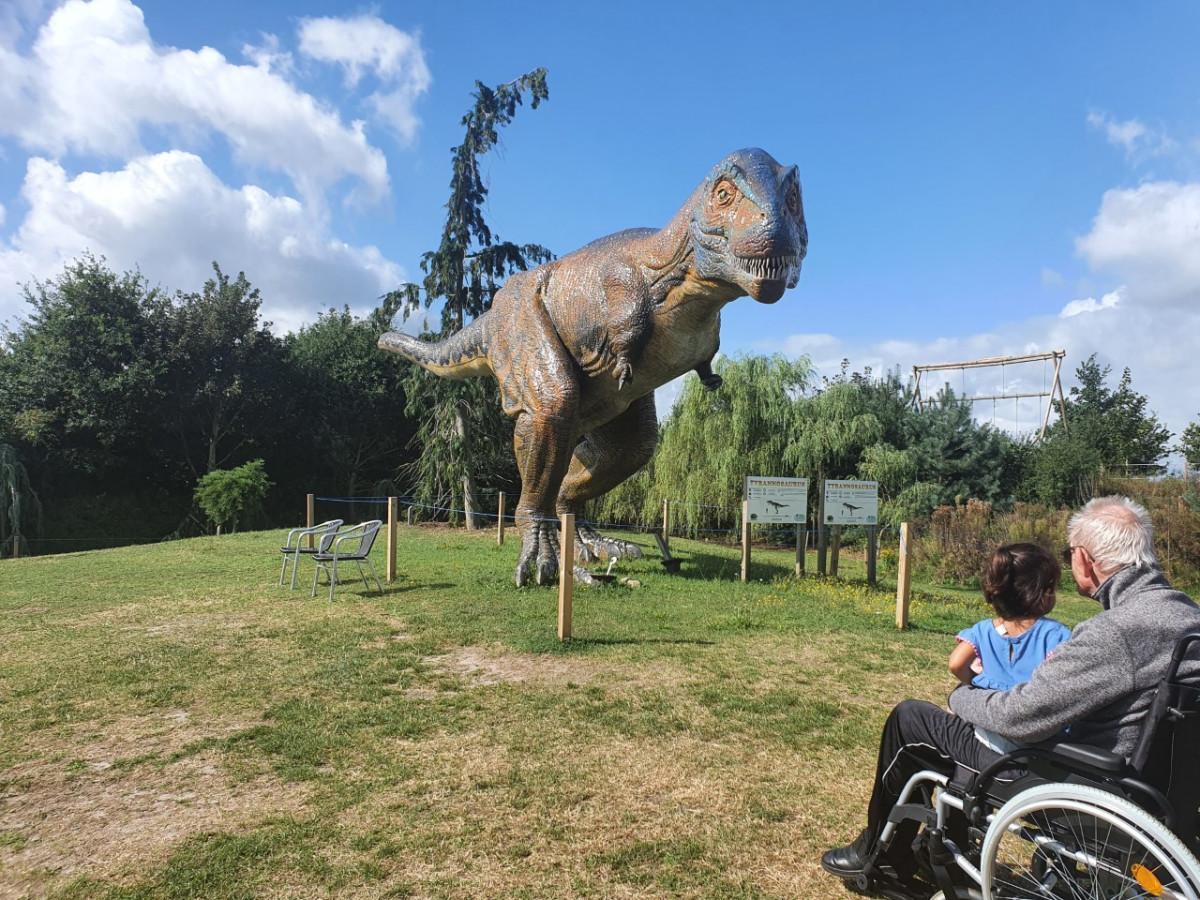Dinopark Landgoed Tenaxx: waar dino's bijna tot leven komen