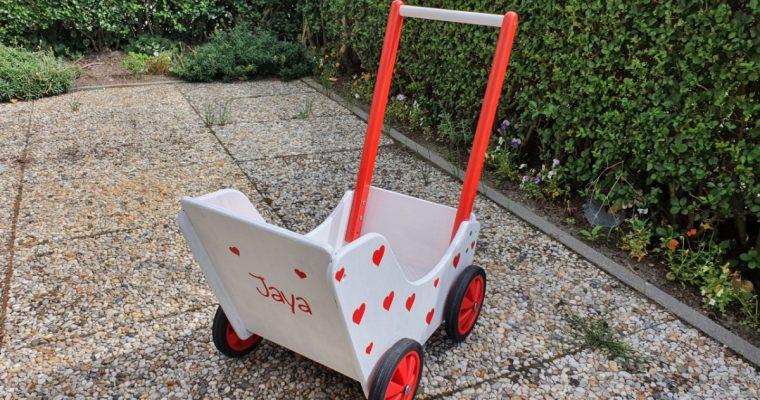 DIY: Pimp een houten poppenwagen