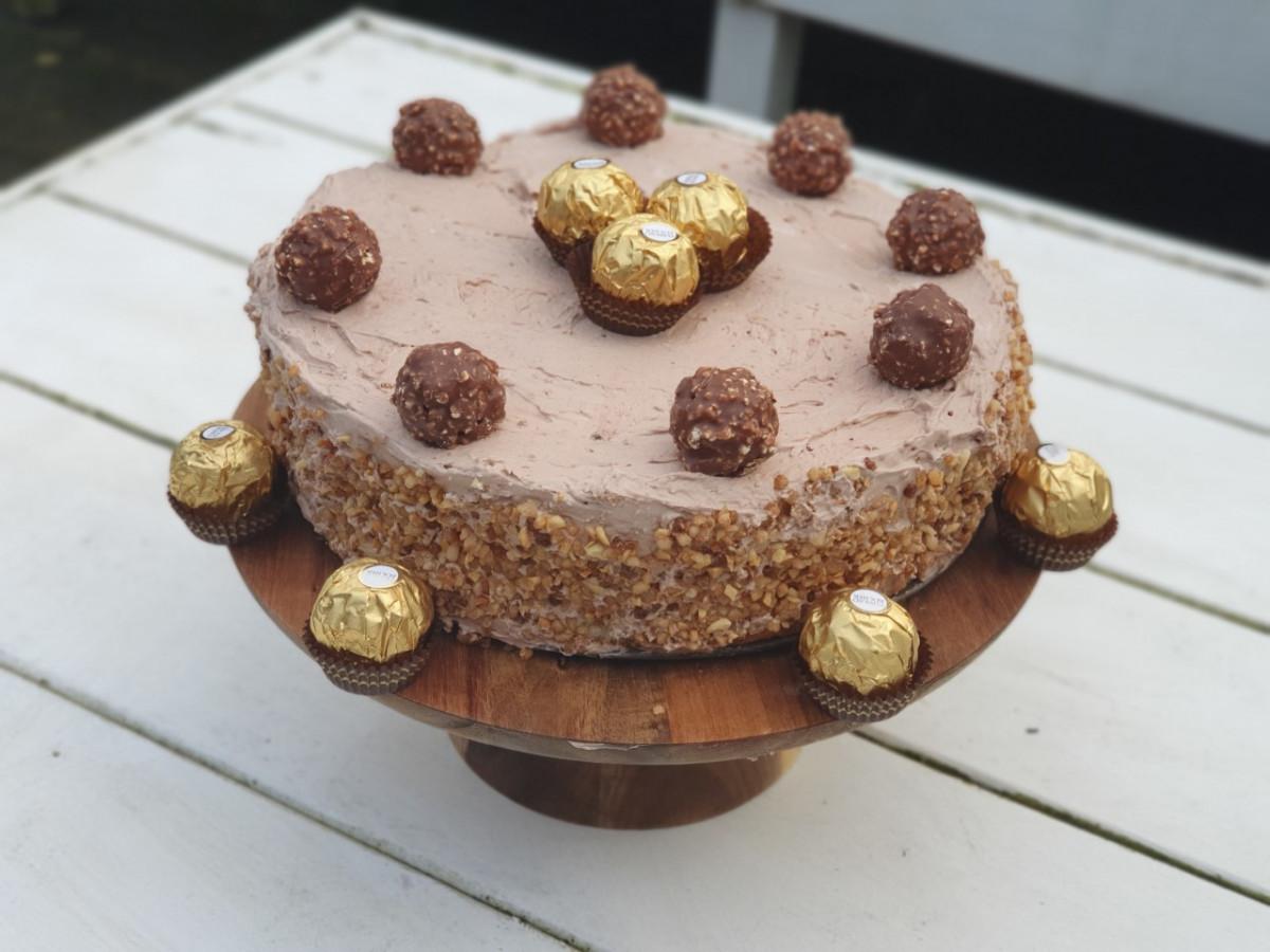 Zelf een No Bake Ferrero Rocher taart maken