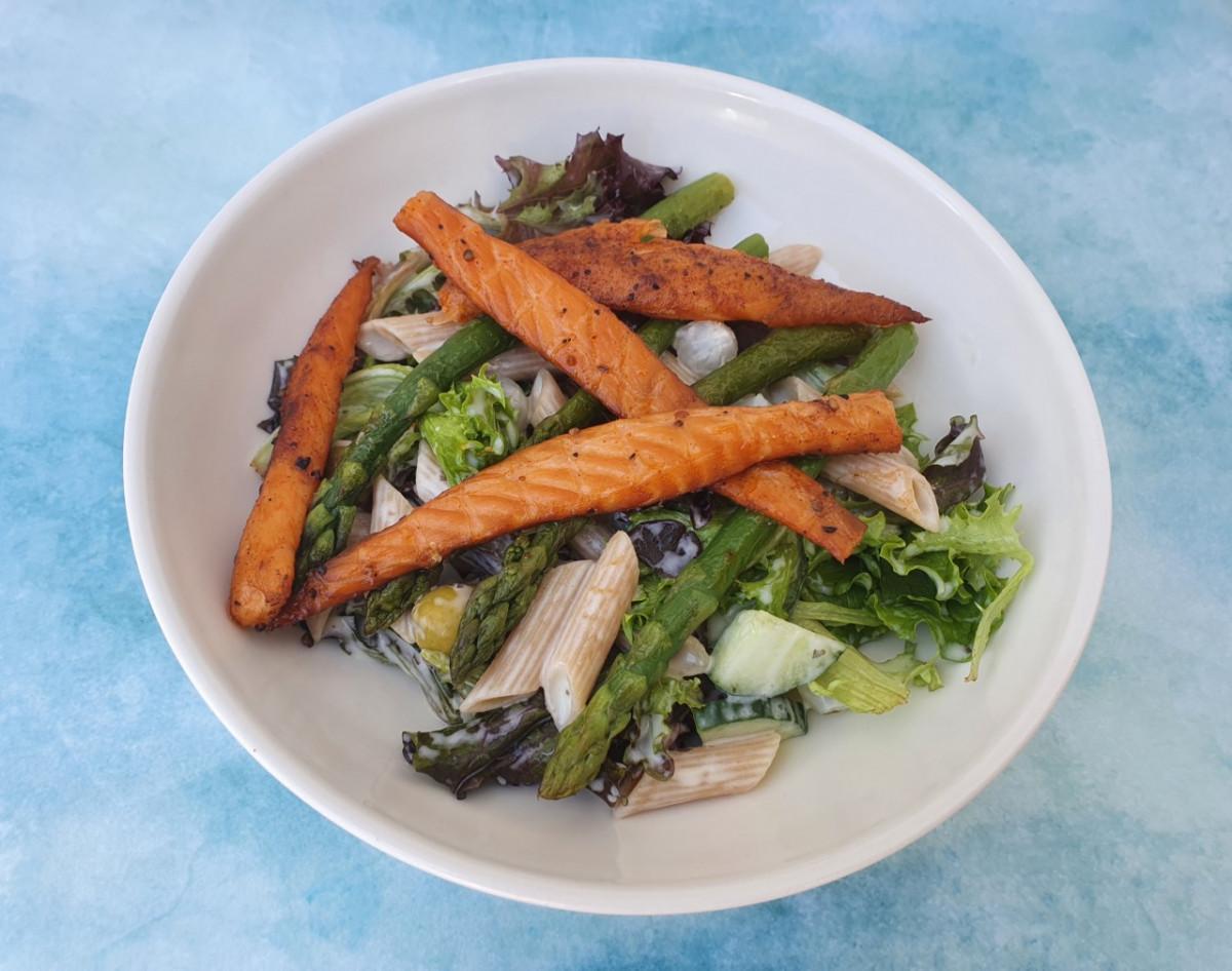 Een gezonde asperge zalm salade met pasta: Foodblogswap mei